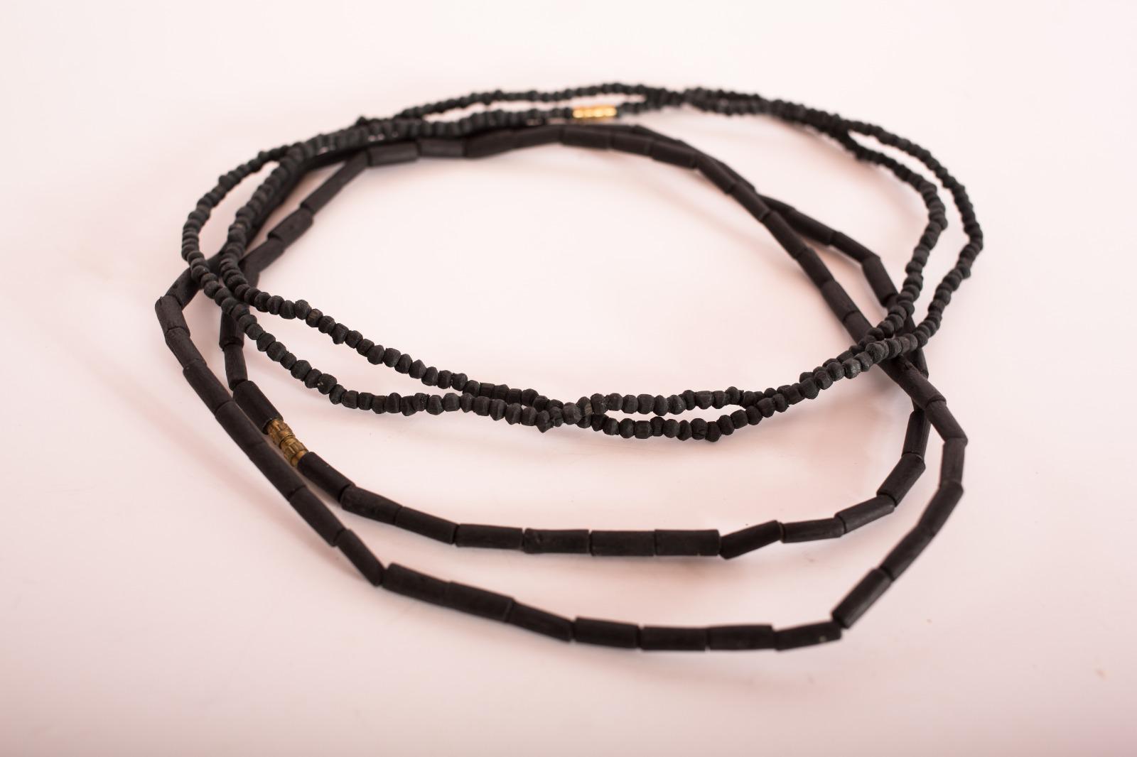 Tulasi Halsketten Schwarz